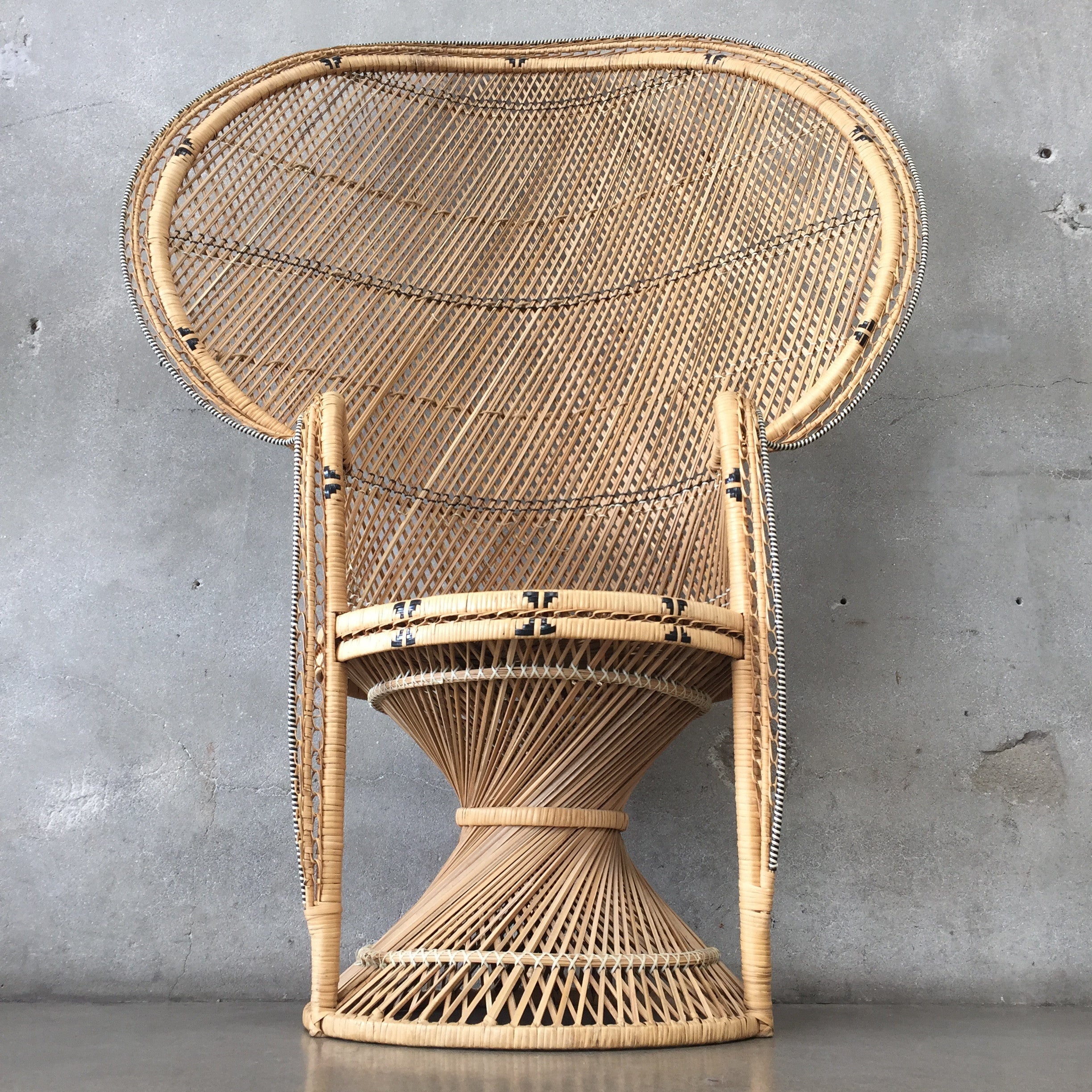Vintage Rattan Peacock Chair Vintage Rattan Peacock Chair ...