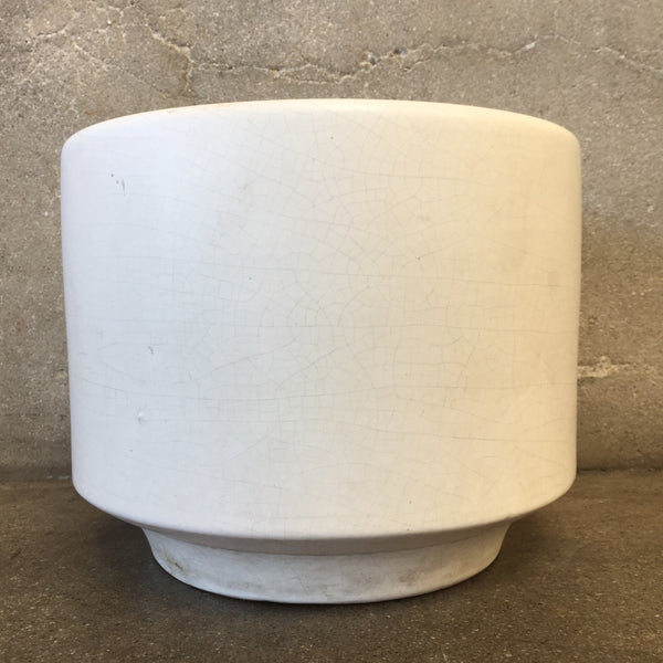 Mid Century Matte White Gainey Pot