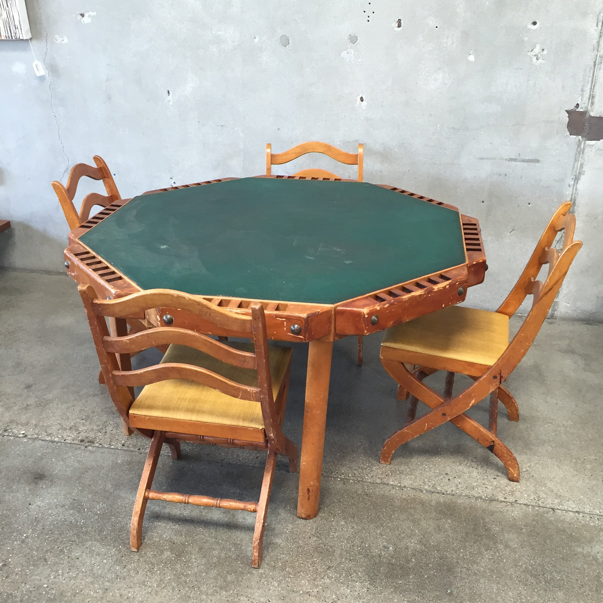 Vintage Poker Table with Folding Chairs – UrbanAmericana