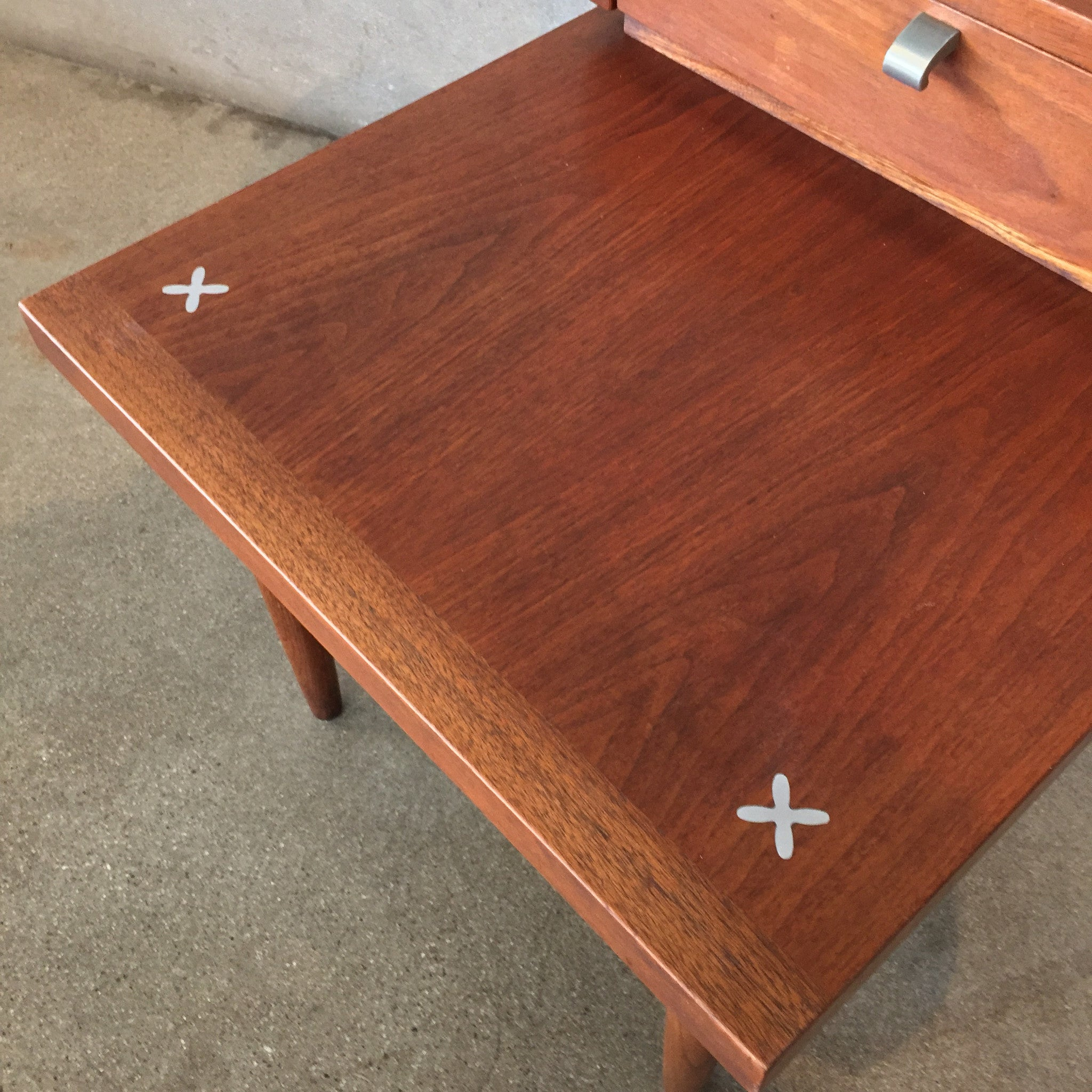 Pair of Mid Century American of Martinsville End Tables