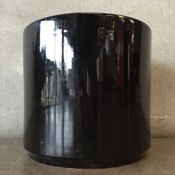 Black Flower Pot