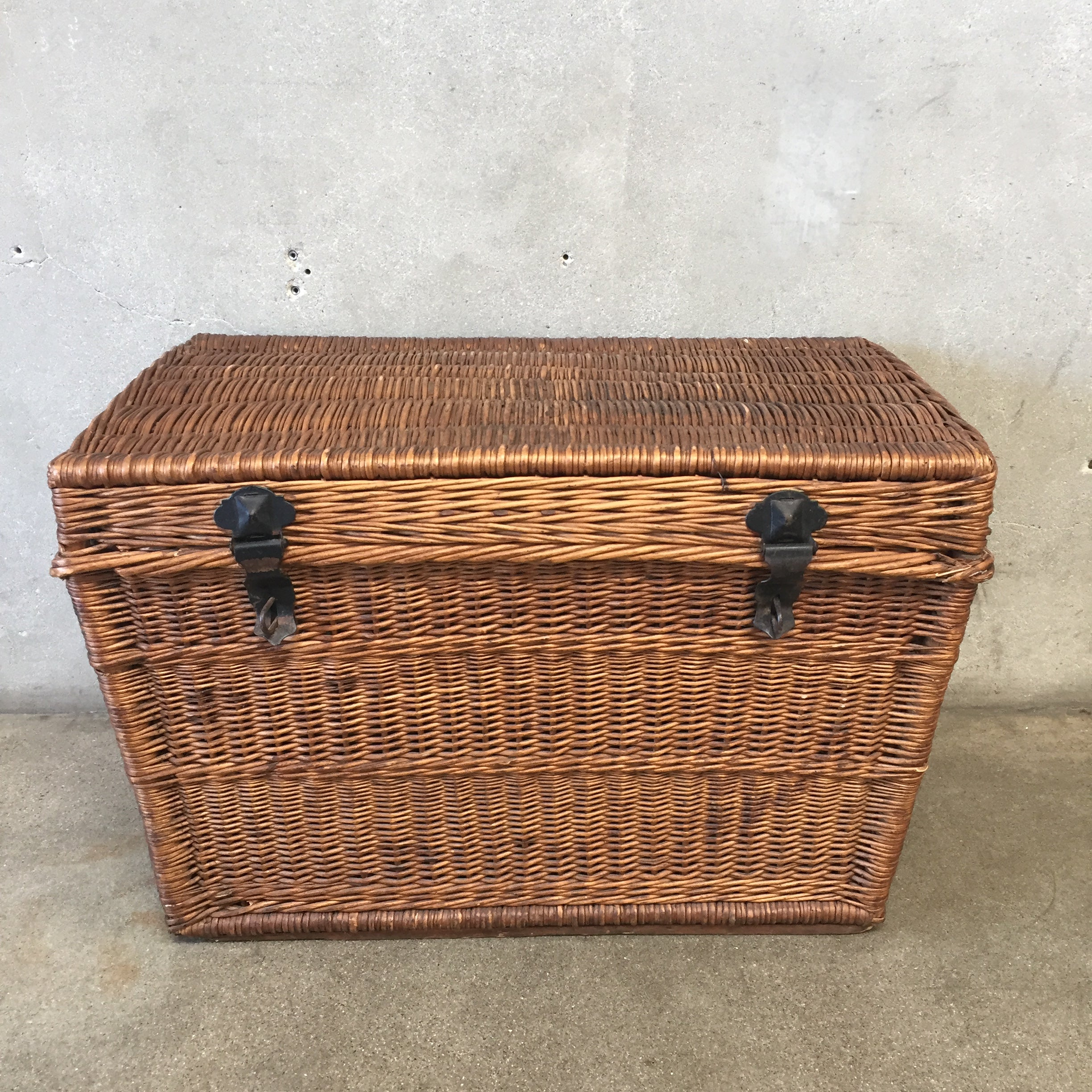Vintage Wicker Storage Trunk ...
