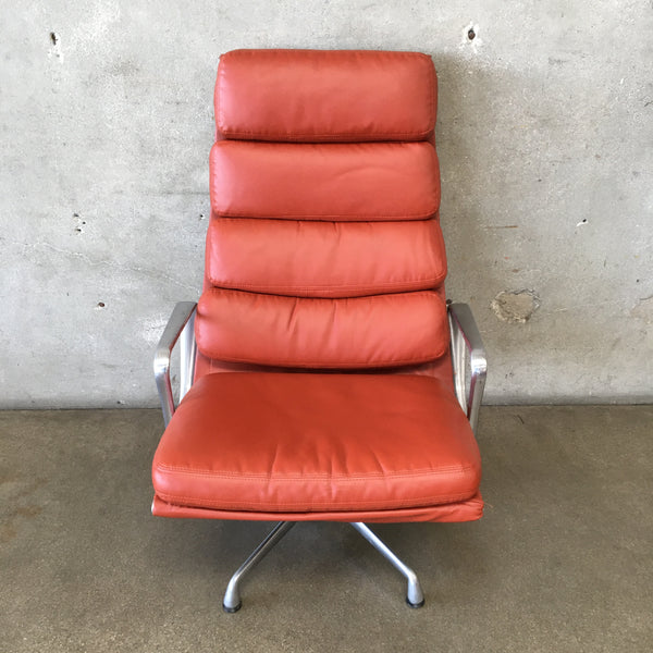 Eames Aluminum Executive Lounge Chair by Herman Miller