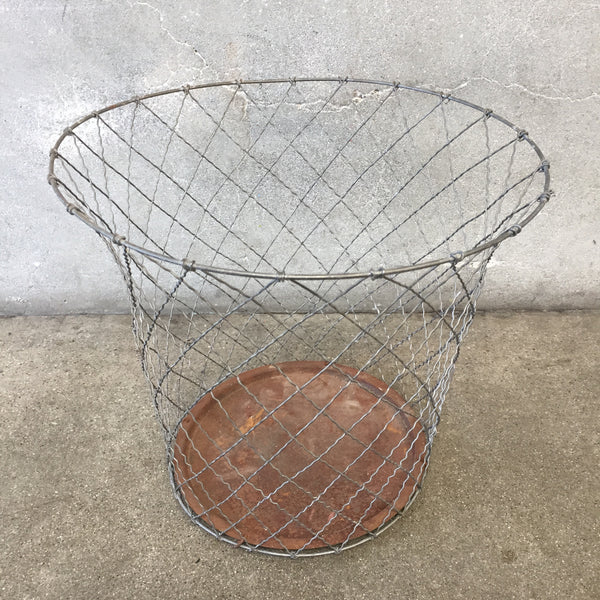 Short Industrial Wire Trash Can