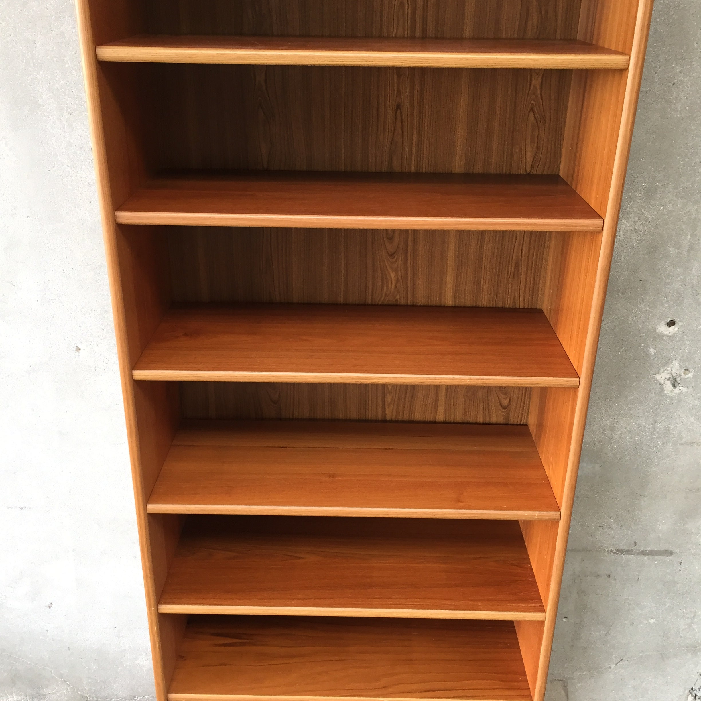 files built inspiration bookcase uncategorized for and marvelous to pic a extraordinary unbelievable how shelves doors units in bookcases style with build wall