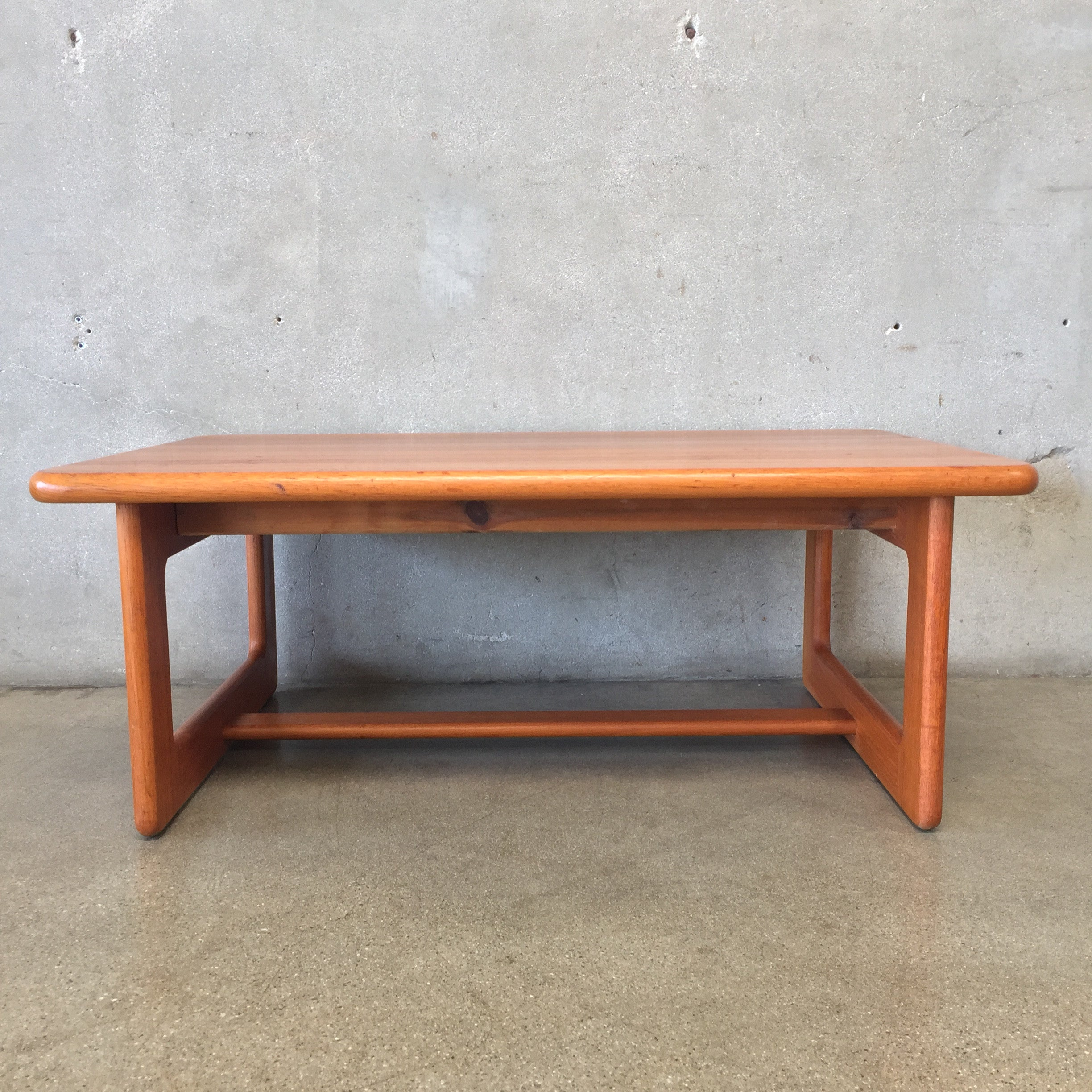 Mid Century Coffee Table Made in Germany – UrbanAmericana