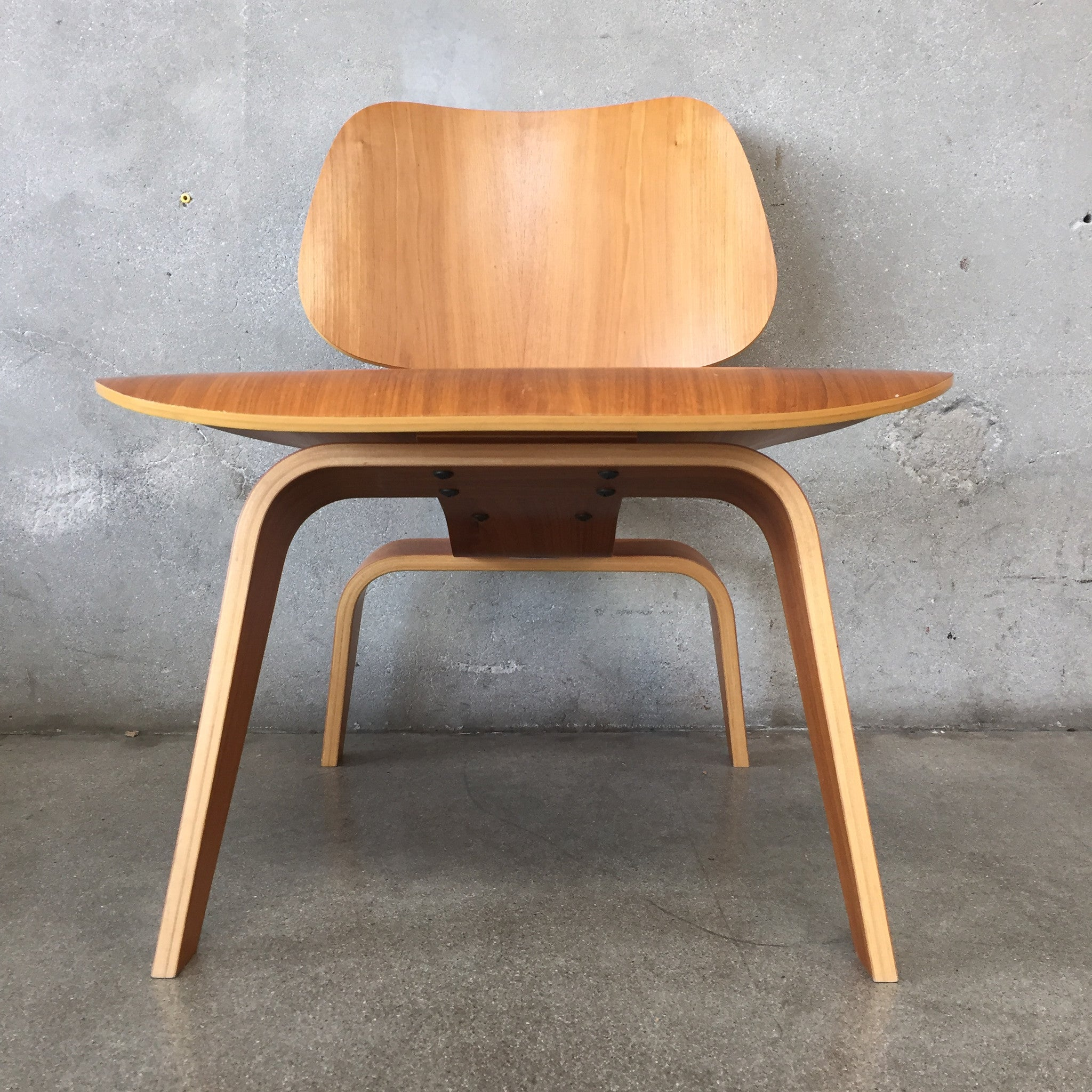 ... Mid Century Herman Miller Eames Molded Plywood Chair ...