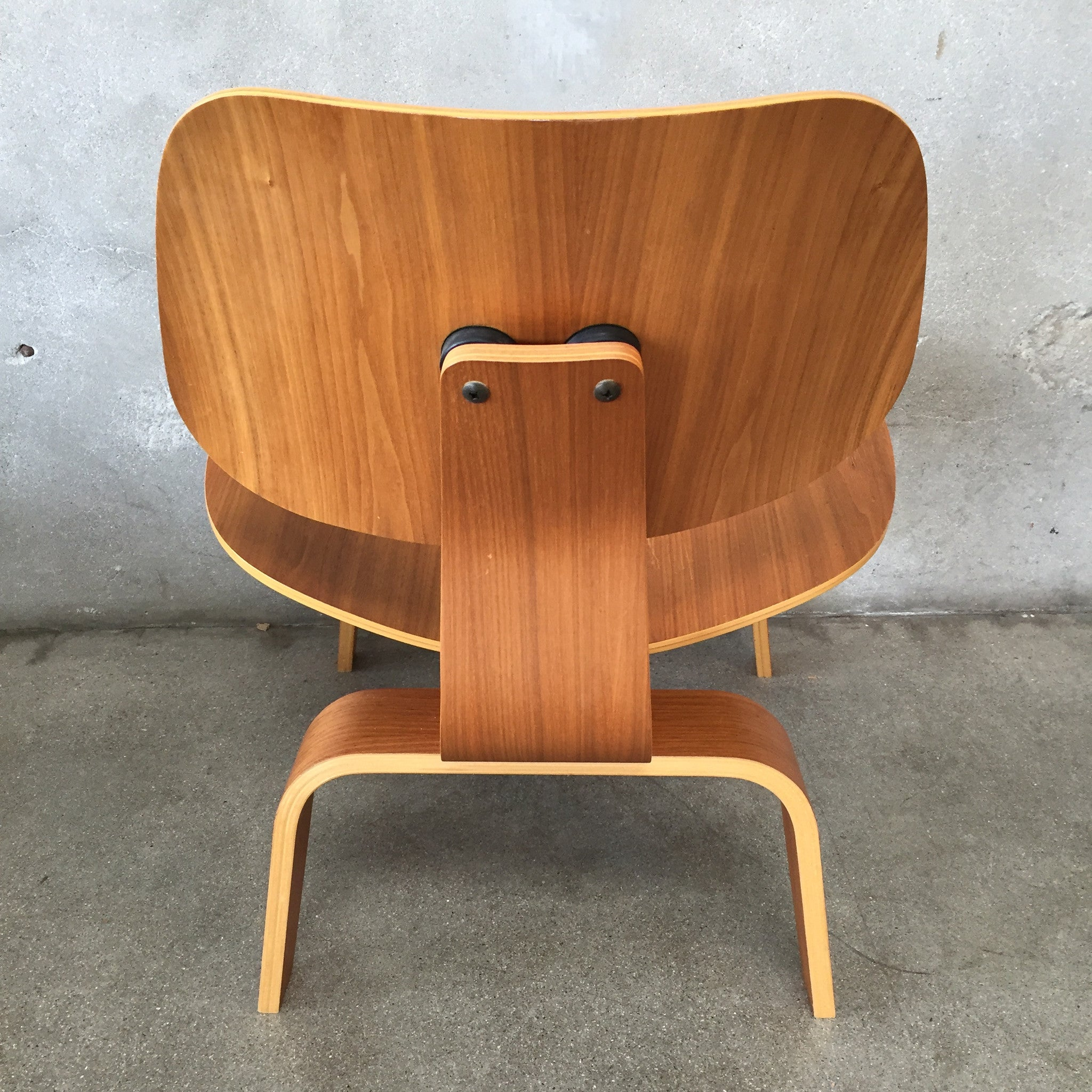 ... Mid Century Herman Miller Eames Molded Plywood Chair