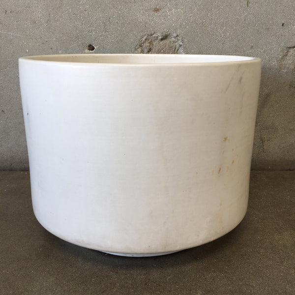 Mid Century Vintage Matte White Gainey Pot
