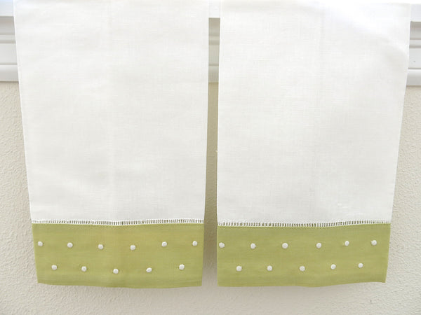 White with Green Border Linen Hemstitched Guest Towels Set