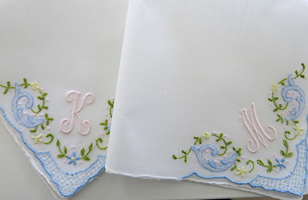 Embroidered wedding handkerchief with 1 initial