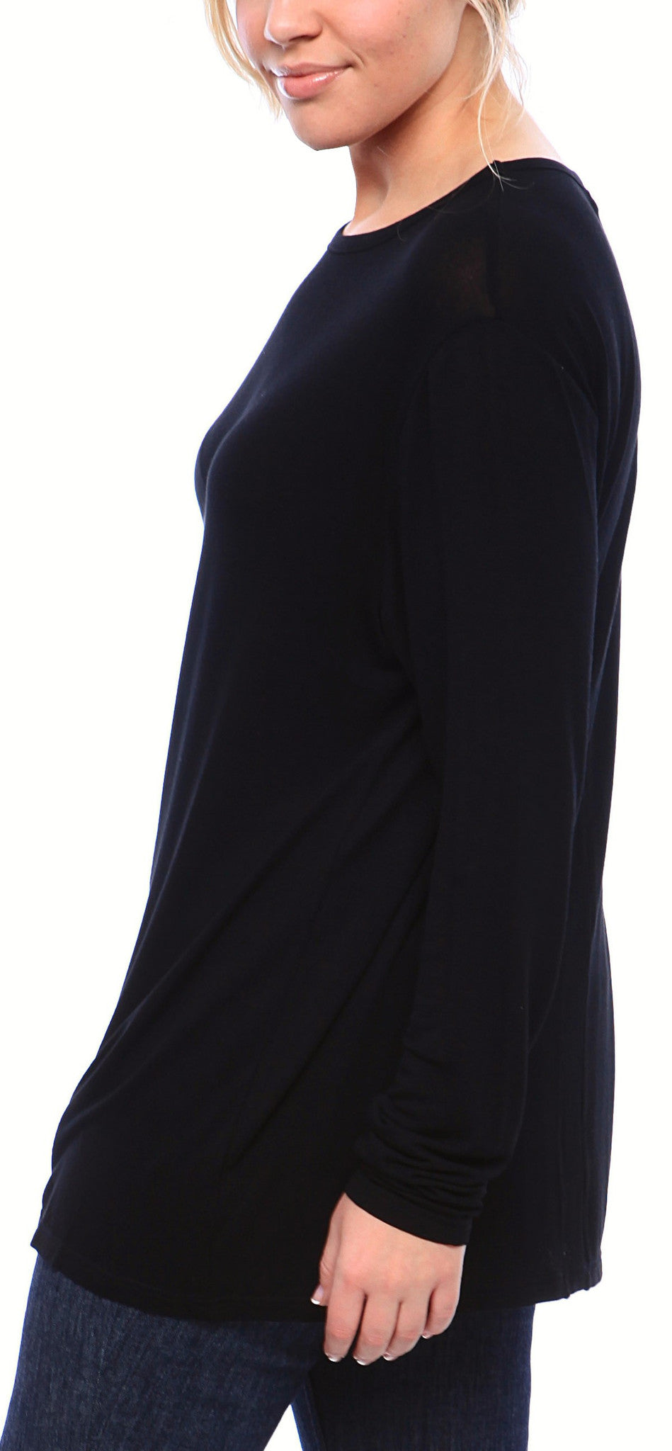Expertly Cut Crew Neck Tee with Long Sleeves in Black