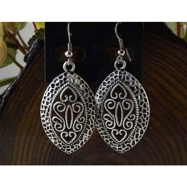 (Clearance) Tibetan Silver Vintage Shield Earrings