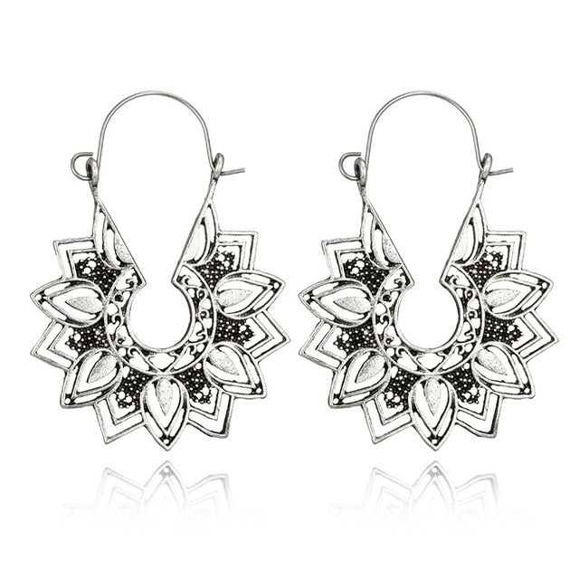 (CLEARANCE) Vintage Metal Flower Dangle Earrings