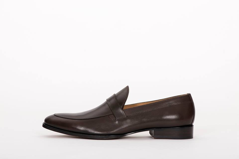 PAIR OF KINGS THE FLUSH MEN'S LOAFER FORMAL DRESS SHOES BROWN