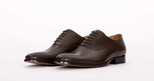 PAIR OF KINGS CLASSIC MEN'S DEUCE BROWN LEATHER OXFORD DRESS SHOES