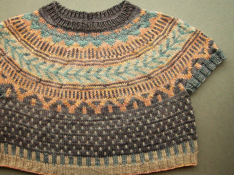 Knit the Soldatna Crop Sweater