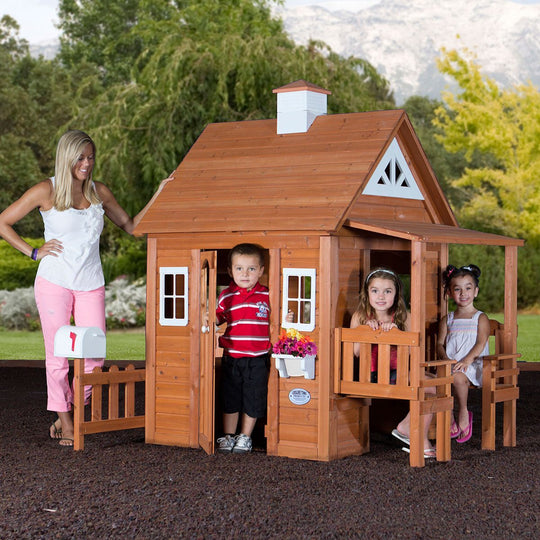 Woodland Playhouse Playhouse Backyard Discovery