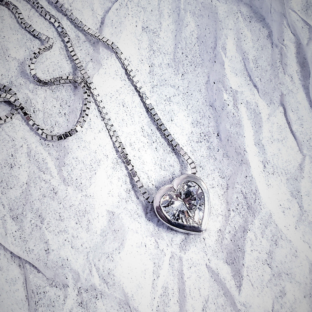 heart bezel diamond necklace white gold