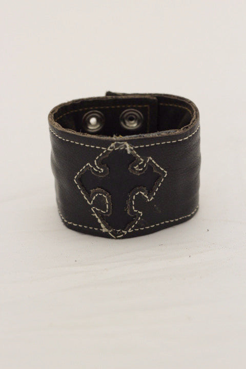 Cross Wrist Cuff - Black/Black