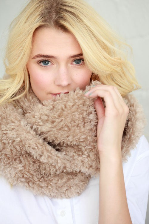Snuggle Up Infinity Scarf (2 Colors)