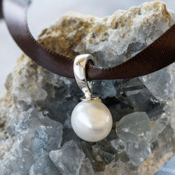 """Emily"" Freshwater Button Pearl Sterling Silver Enhancer - Révélations Boutique"