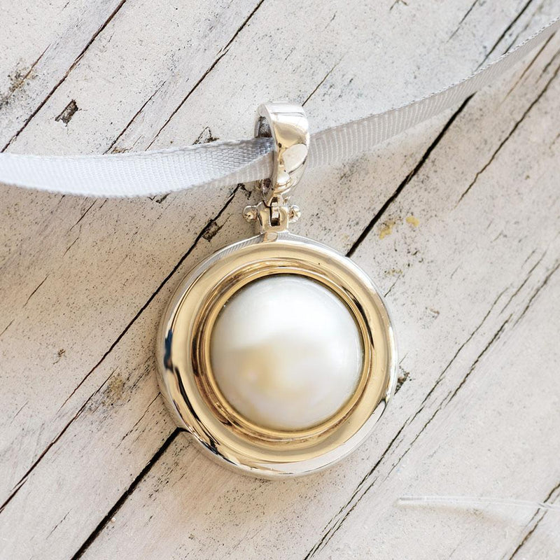 """Memento"" Mabe Pearl Yellow Gold and Sterling Silver Enhancer - Révélations Boutique"
