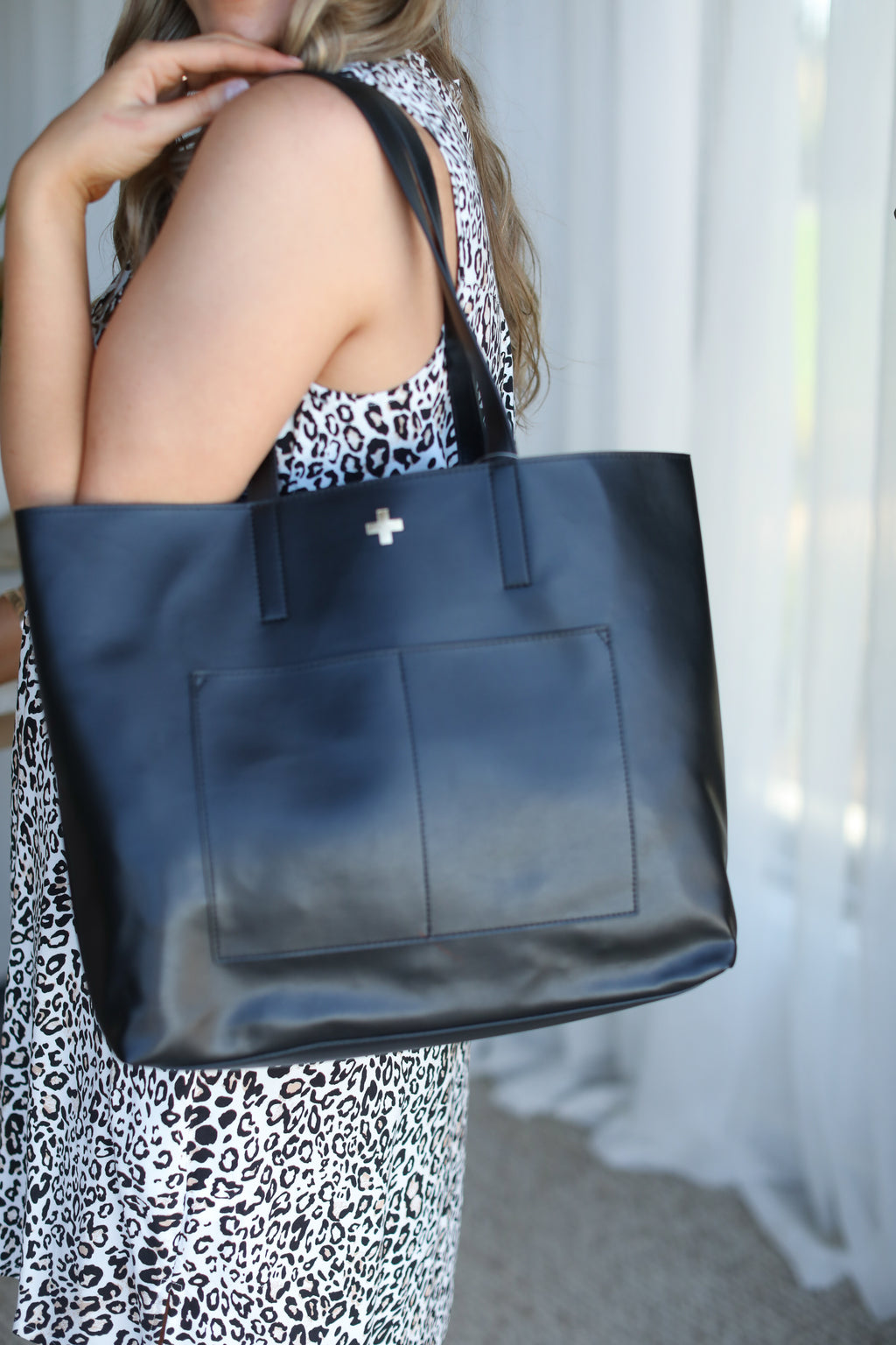 OLIVIA TOTE BAG- Black