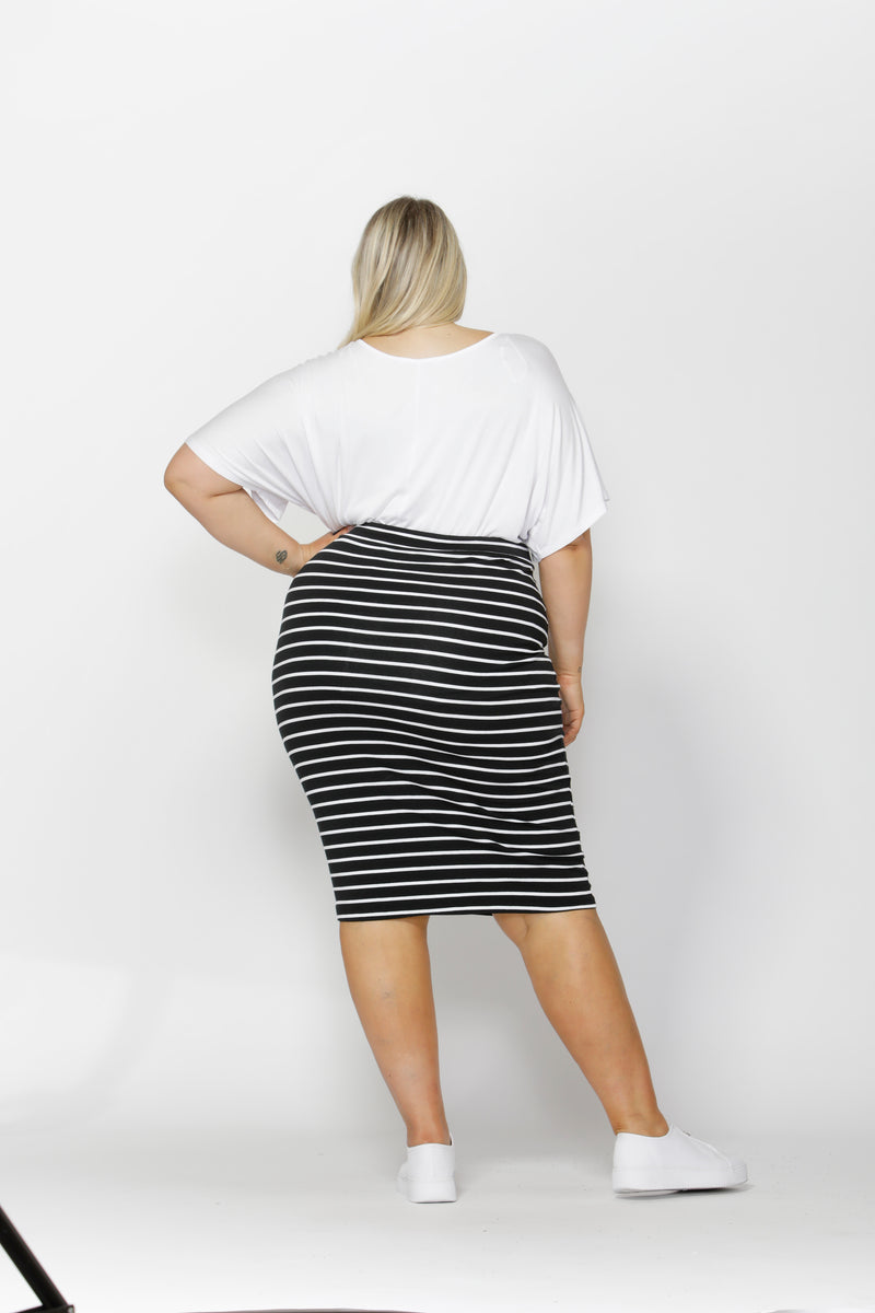ALICIA MIDI SKIRT CURVE - Black/White Stripe