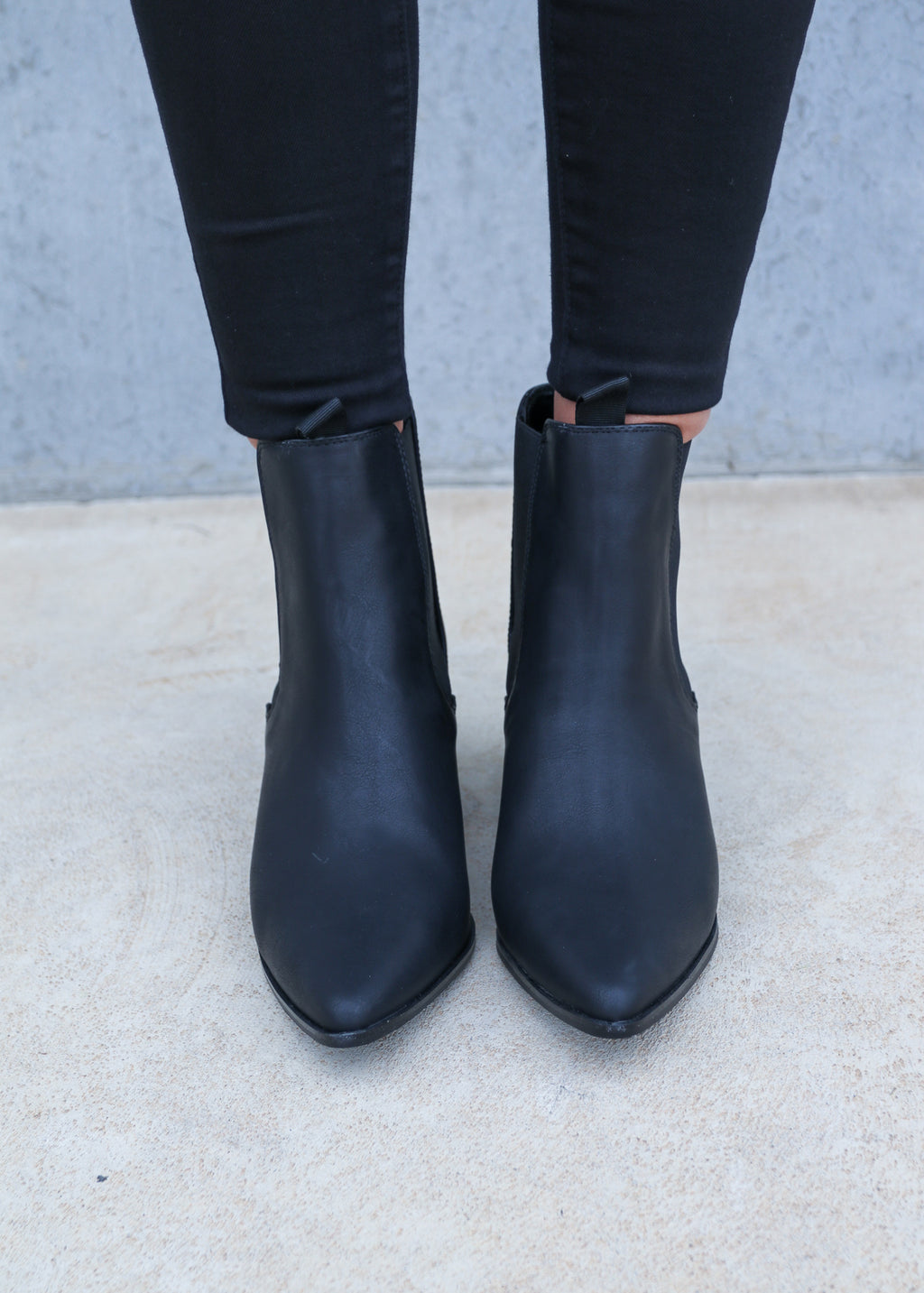 FILO BOOT- Black Softee