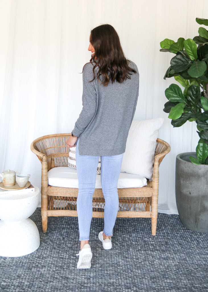 JEMMA KNIT TOP- Grey