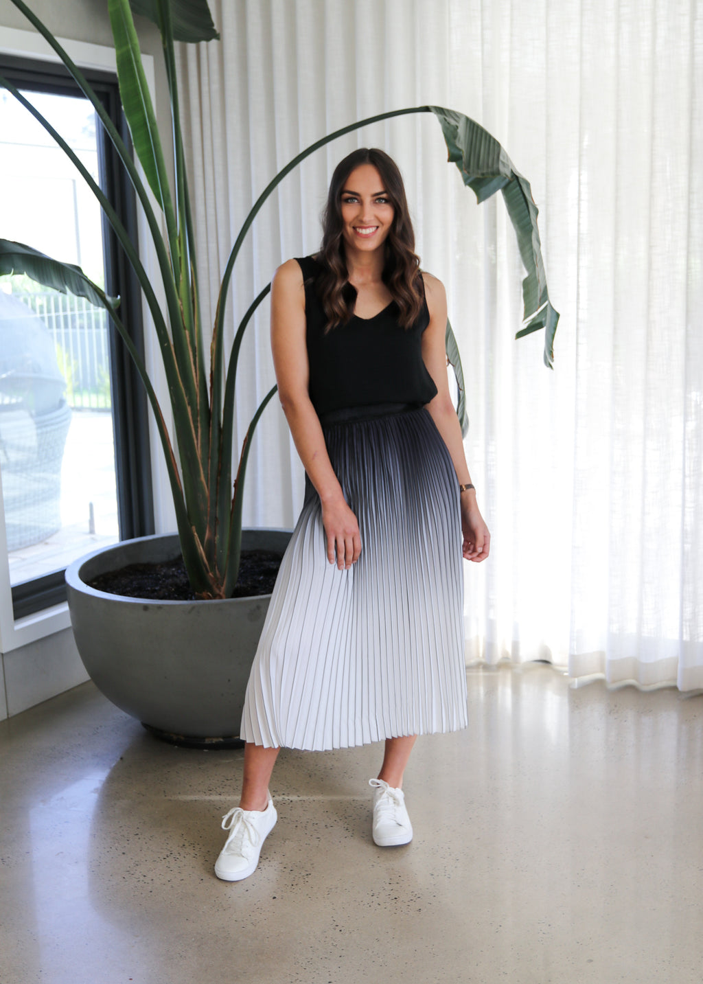 LIBBY PLEATED SKIRT- Black/White Ombre
