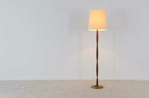 Scandinavian floor lamp