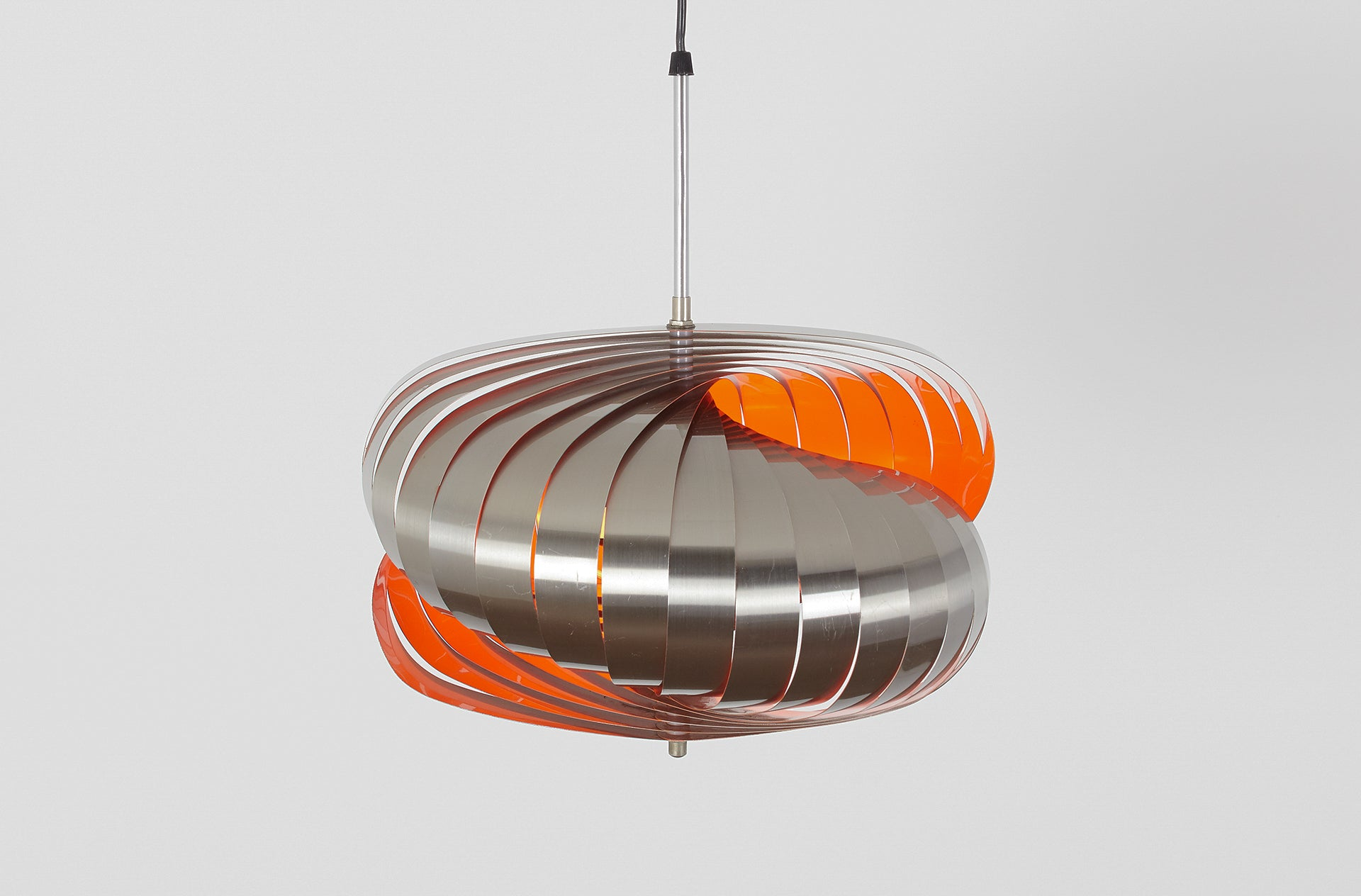 TWIRLING PENDANT BY HENRI MATHIEU