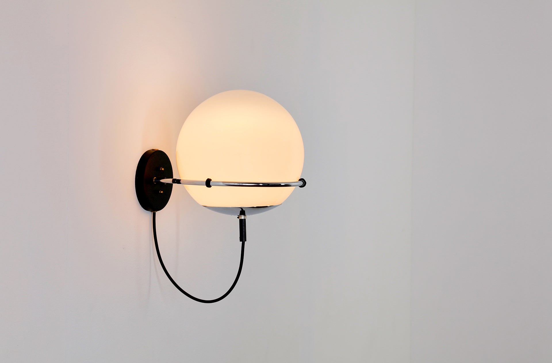 Pair of OCHTENDNEVEL /MORNING HAZE wall lights by Frank Ligtelijn