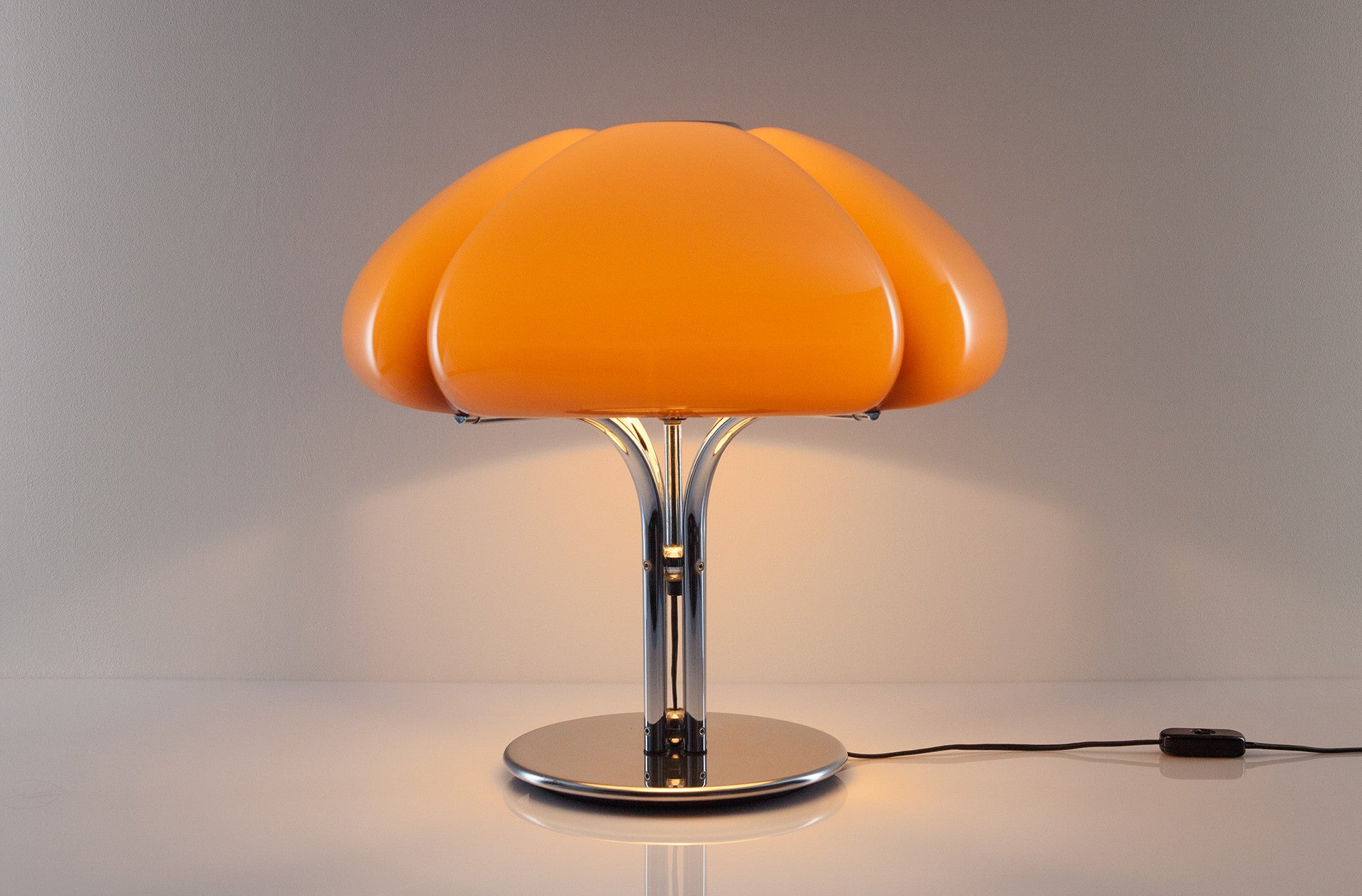 Quadrifoglio table lamp by Harvey Guzzini