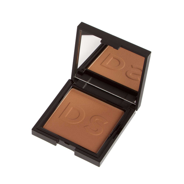 Daniel Sandler Instant Tan Wash-Off Face Powder Bronzer