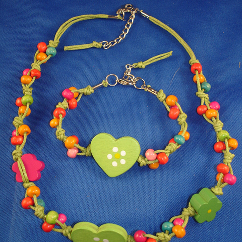 Girls Set of Necklace & Bracelet