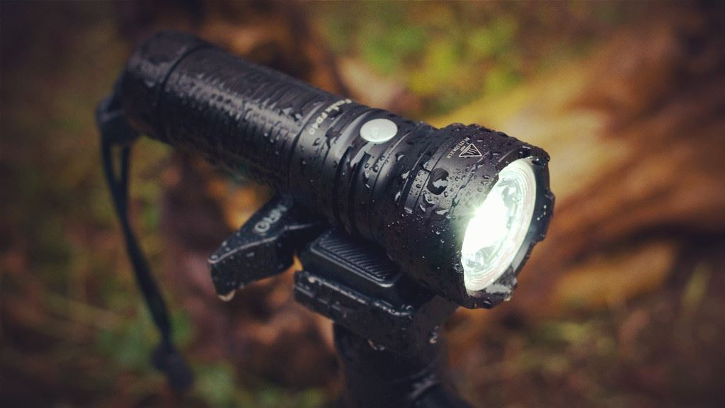 Fenix FD40 LED Zoom Flashlight India