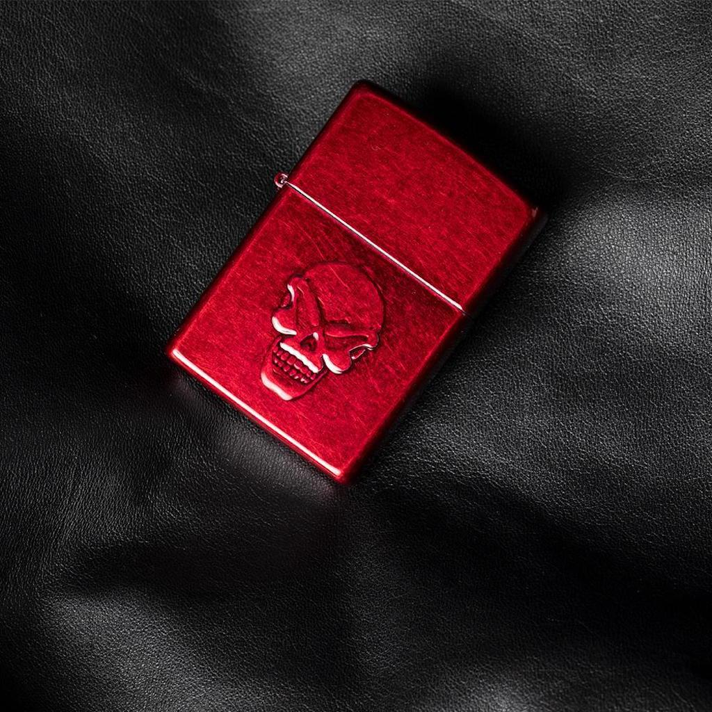 Zippo Doom Lighter in India, Zippo Candy Apple Red Lighter, Zippo 21186, Buy Best Seller Zippo Lighter Online in India
