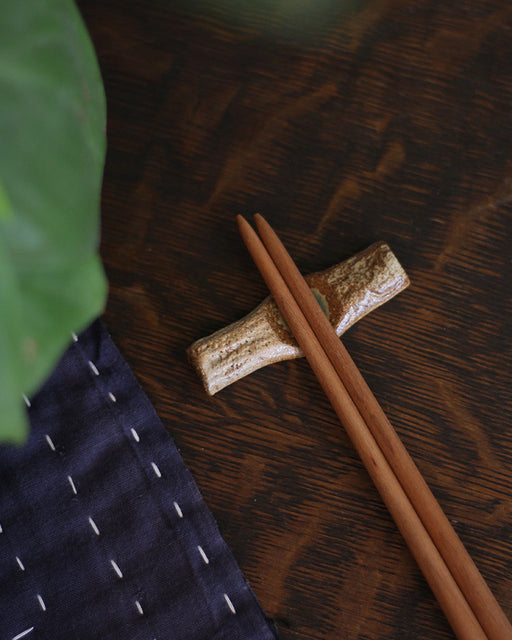 Mashiko-Yaki Hand-made Brown Textured Chopstick Rest
