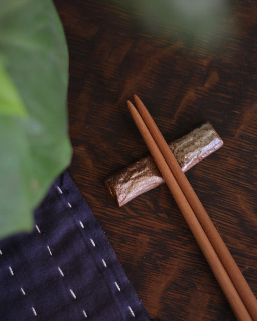 Mashiko-Yaki Hand-made Teal Dot Textured Chopstick Rest