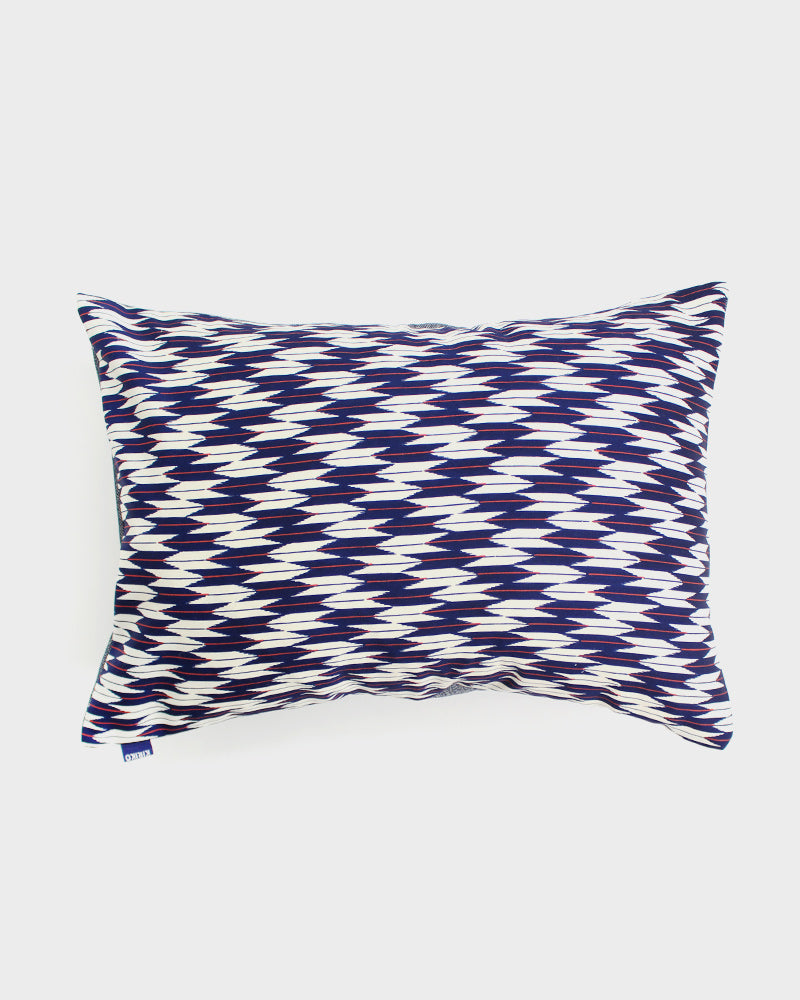 Yagasuri with Blue, White and Red Pillow