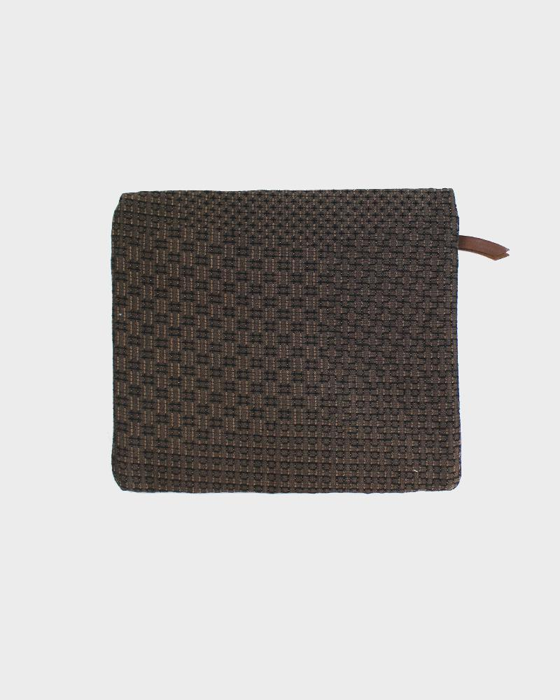 Flat Medium Zipper Pouch, Brown Sashiko