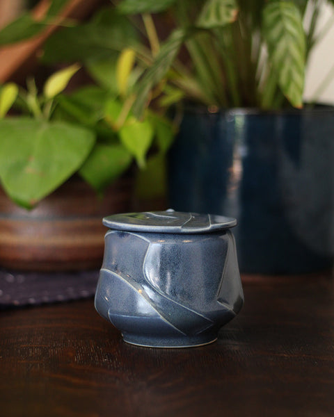 Kelly Pottery, Etched Blue Sugar Bowl