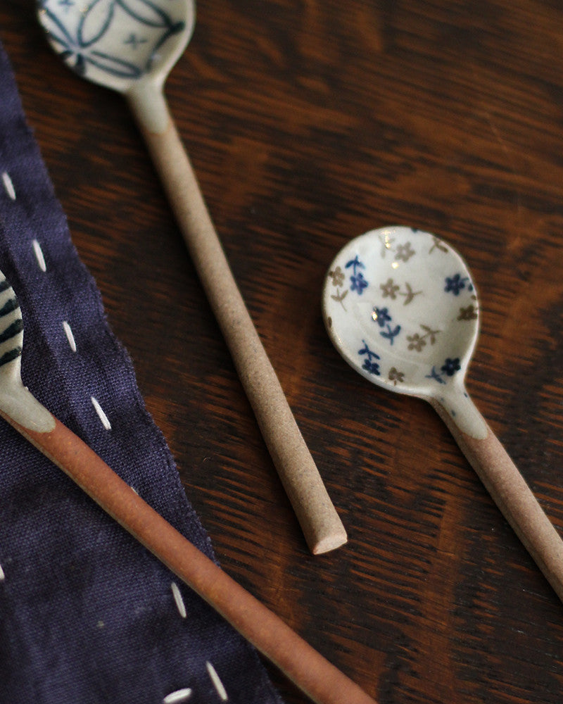 Mashiko-Yaki Hand-Painted Spoon, Floral Blue and Brown