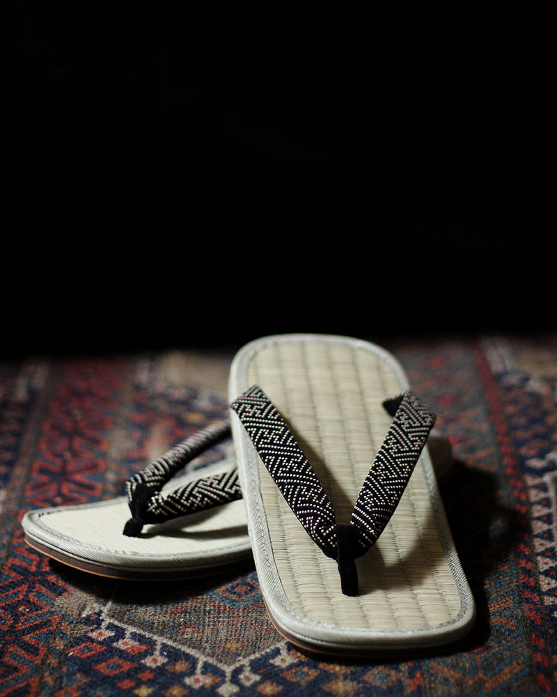 Setta Sandals With Dotted Manji