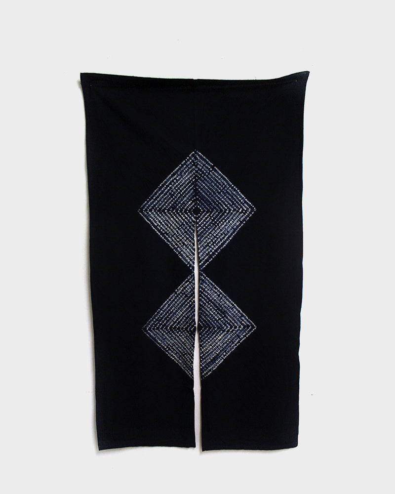 Noren, Indigo Double Diamond Shibori