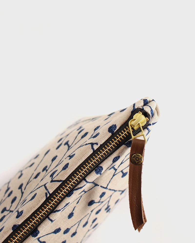 Stand-Up Pouch, Cream and Indigo Bud
