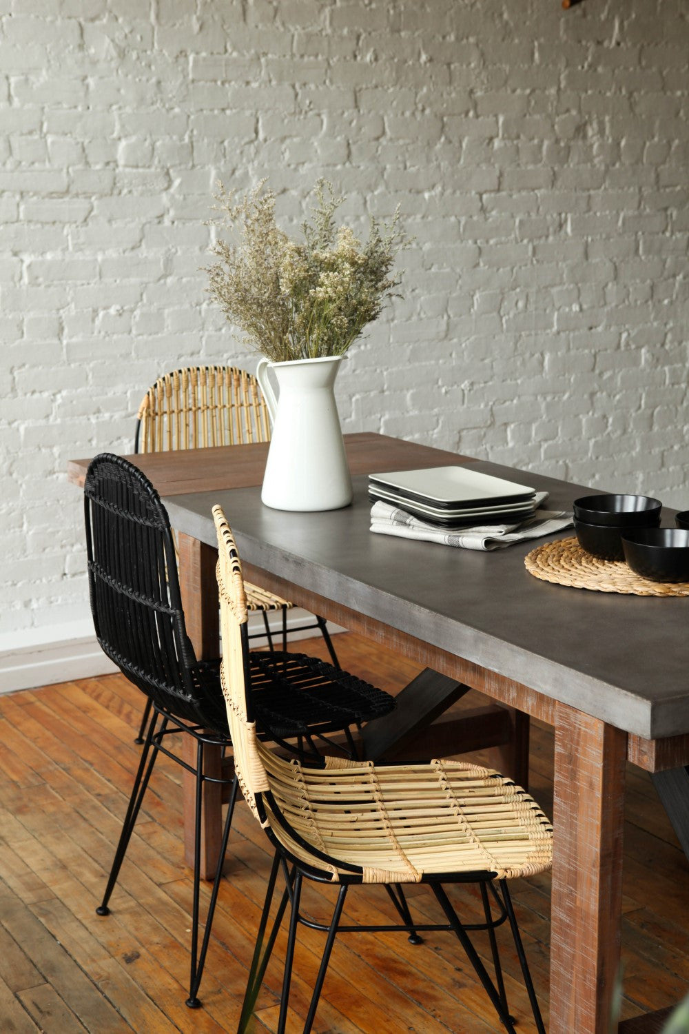 Furniture maison small concrete dining table with for Extension maison